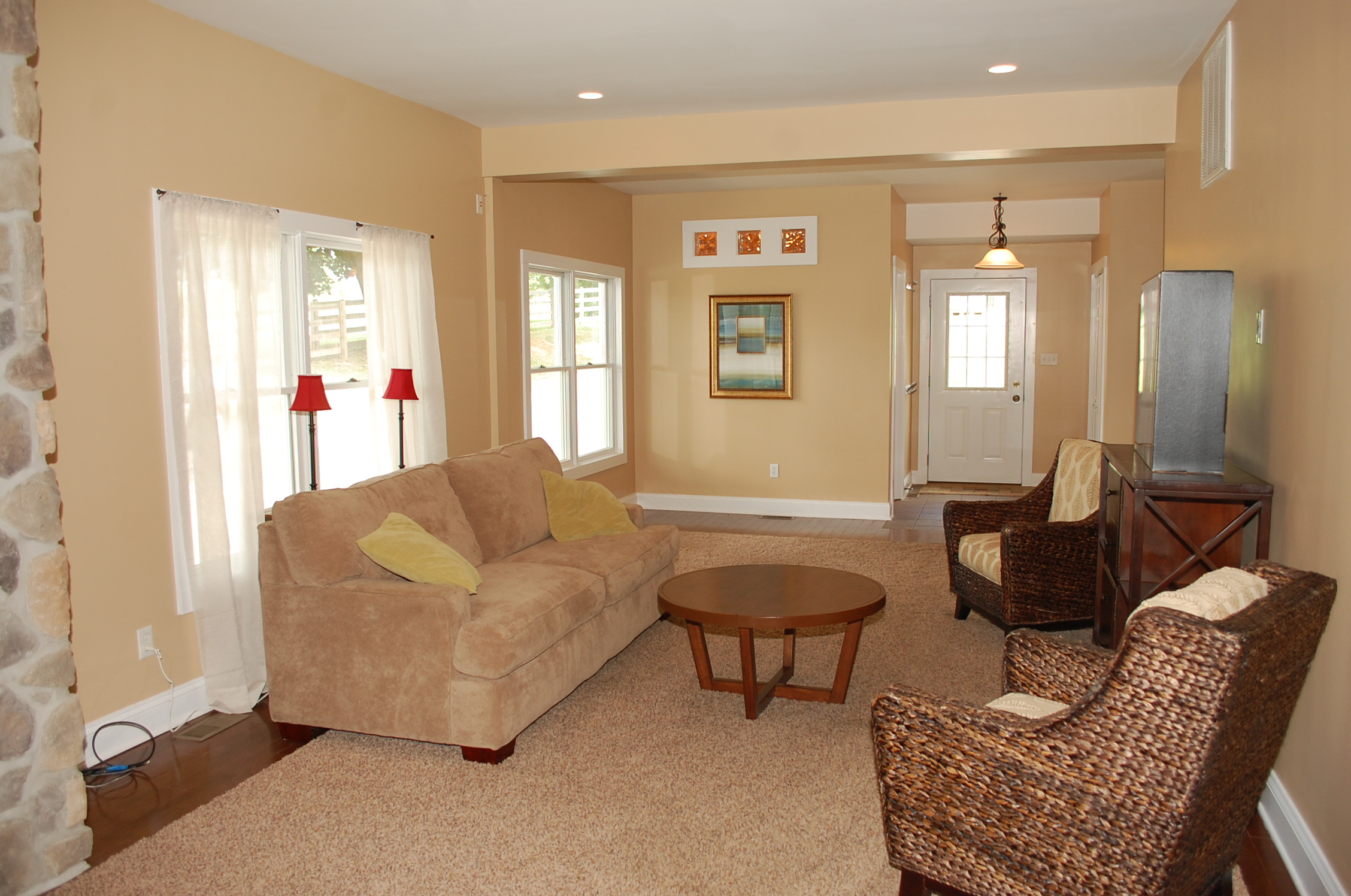 Staged Family Room In Vacant Home The Welcome Home Interior Design Solutio