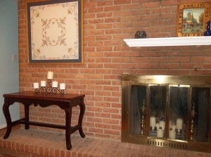 Fireplace with floating mantel
