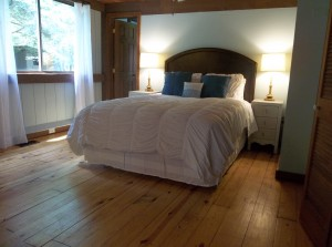 log cabin master bedroom